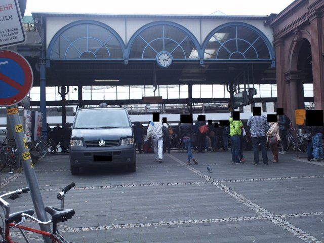Zugang vom Busbahnhof